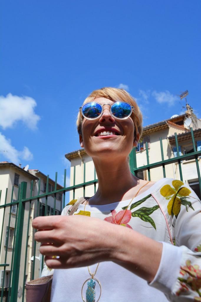 Look Nice - Cécile Na