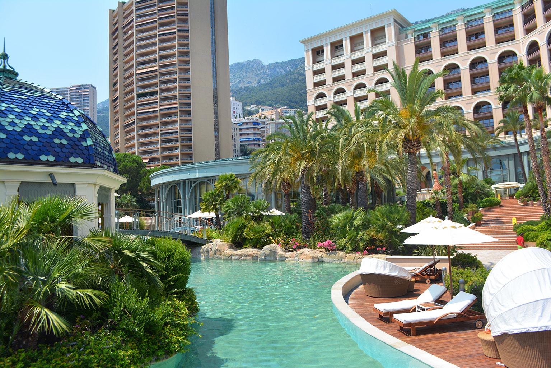 le restaurant las brisas du monte carlo bay hotel resort. Black Bedroom Furniture Sets. Home Design Ideas